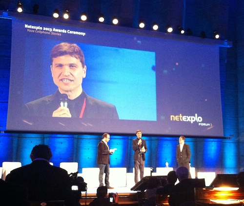 Steve Vosloo receiving the NetExplo Award for Yoza Cellphone Stories